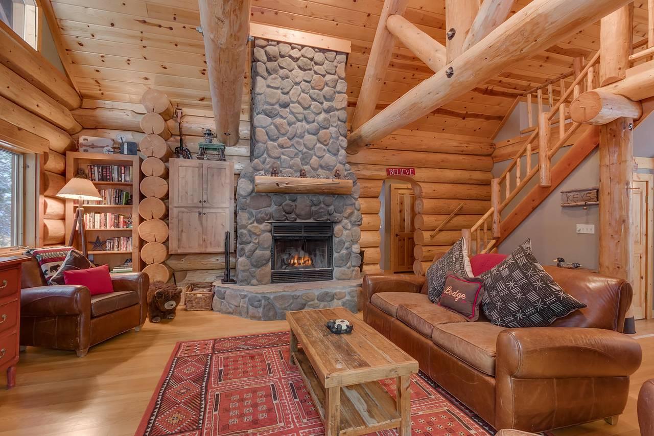 Lake Tahoe Rental   Log Cabin Living at Tahoe Donner