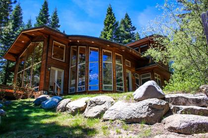 Lakefront Vacation Rentals in Lake Tahoe | Tahoe Getaways
