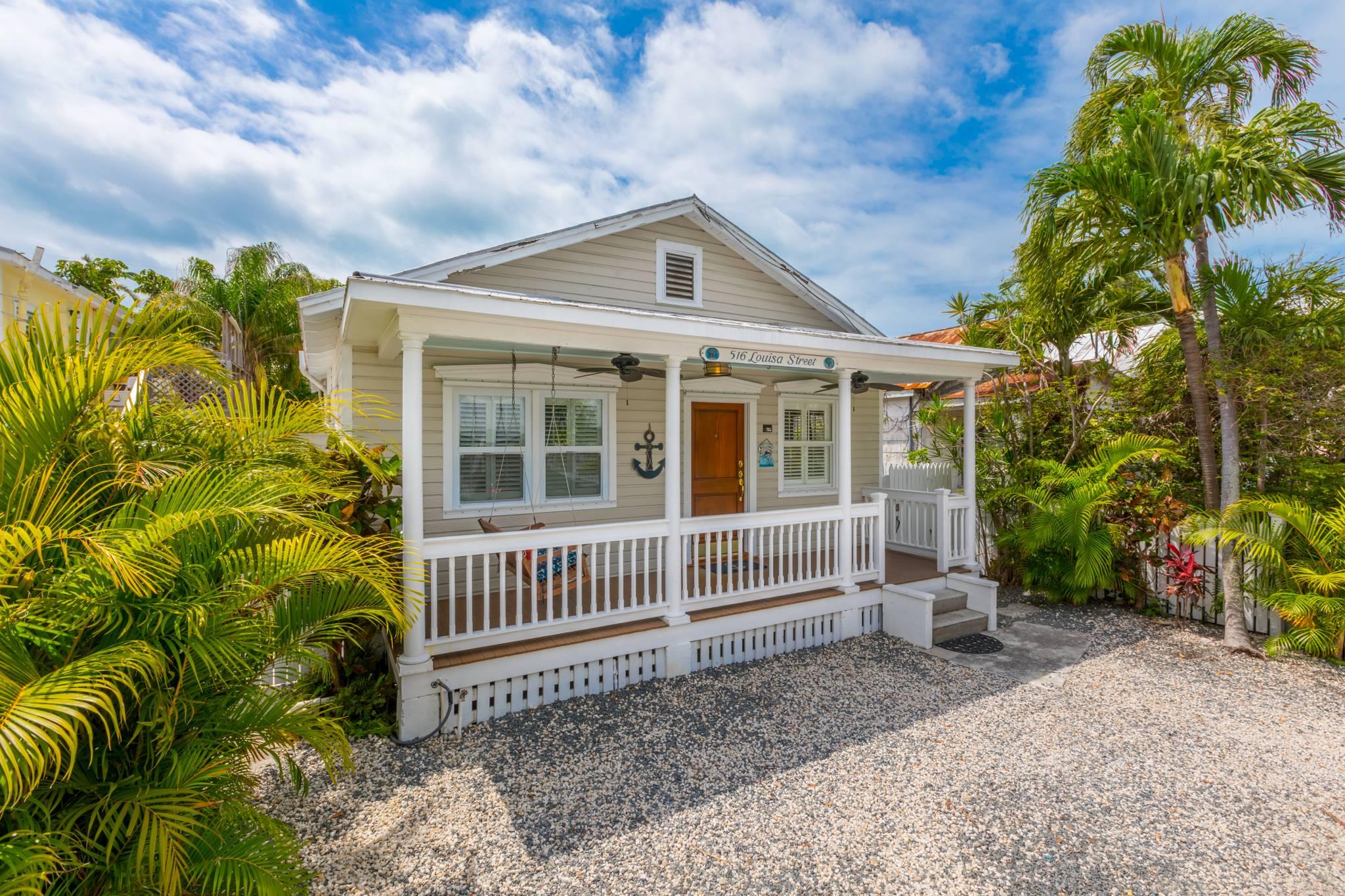 Brilliant Lady Admiral Steps To Duval Best Of Key West Rentals Interior Design Ideas Tzicisoteloinfo