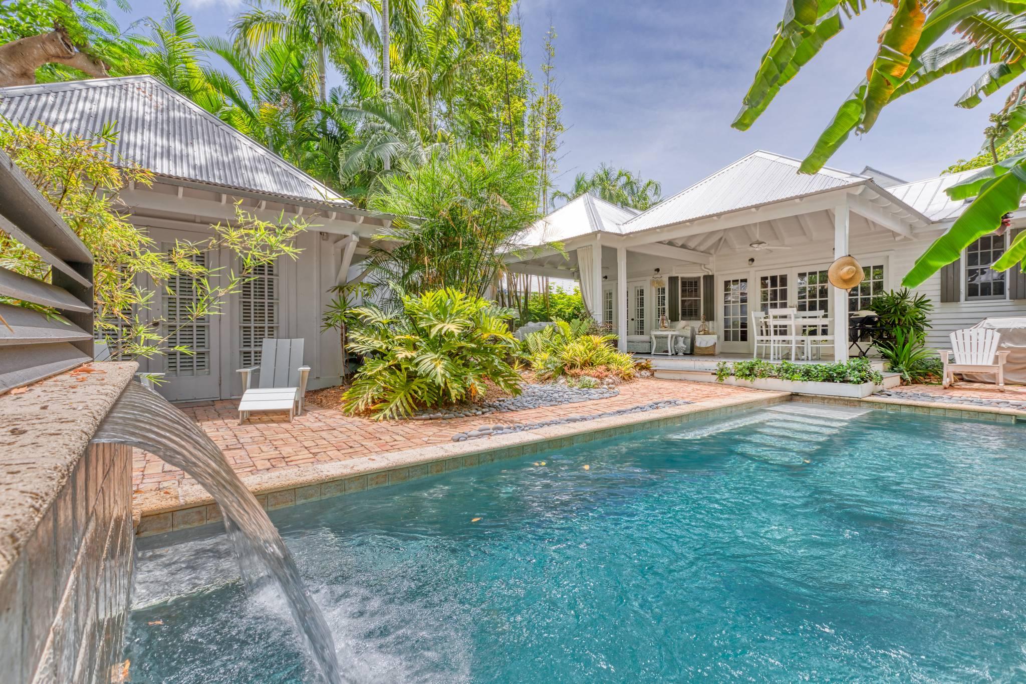Tremendous Pura Vida Serene Best Of Key West Rentals Interior Design Ideas Clesiryabchikinfo