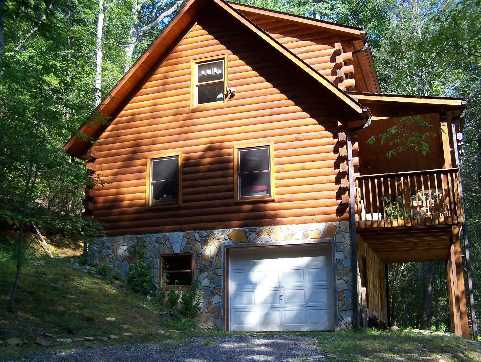 Skip S Bearly Rustic Cabin Blairsville Ga Cabin Rental 10 Guests Under 140 A Night Enchanted Mountain Retreats North Ga Cabin Rentals