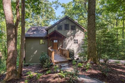Asheville Cabin Rentals with Hot Tubs | Greybeard Rentals