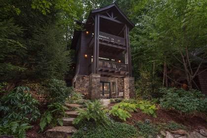 Fine Asheville Luxury Vacation Cabin Rentals Greybeard Rentals Interior Design Ideas Oxytryabchikinfo
