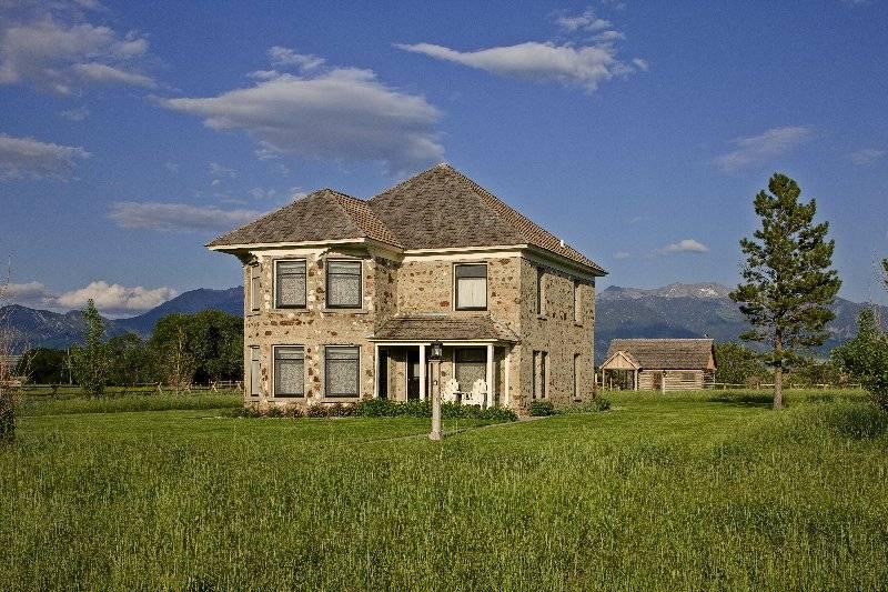 Historic Thextondale Homestead on the Madison   Mountain