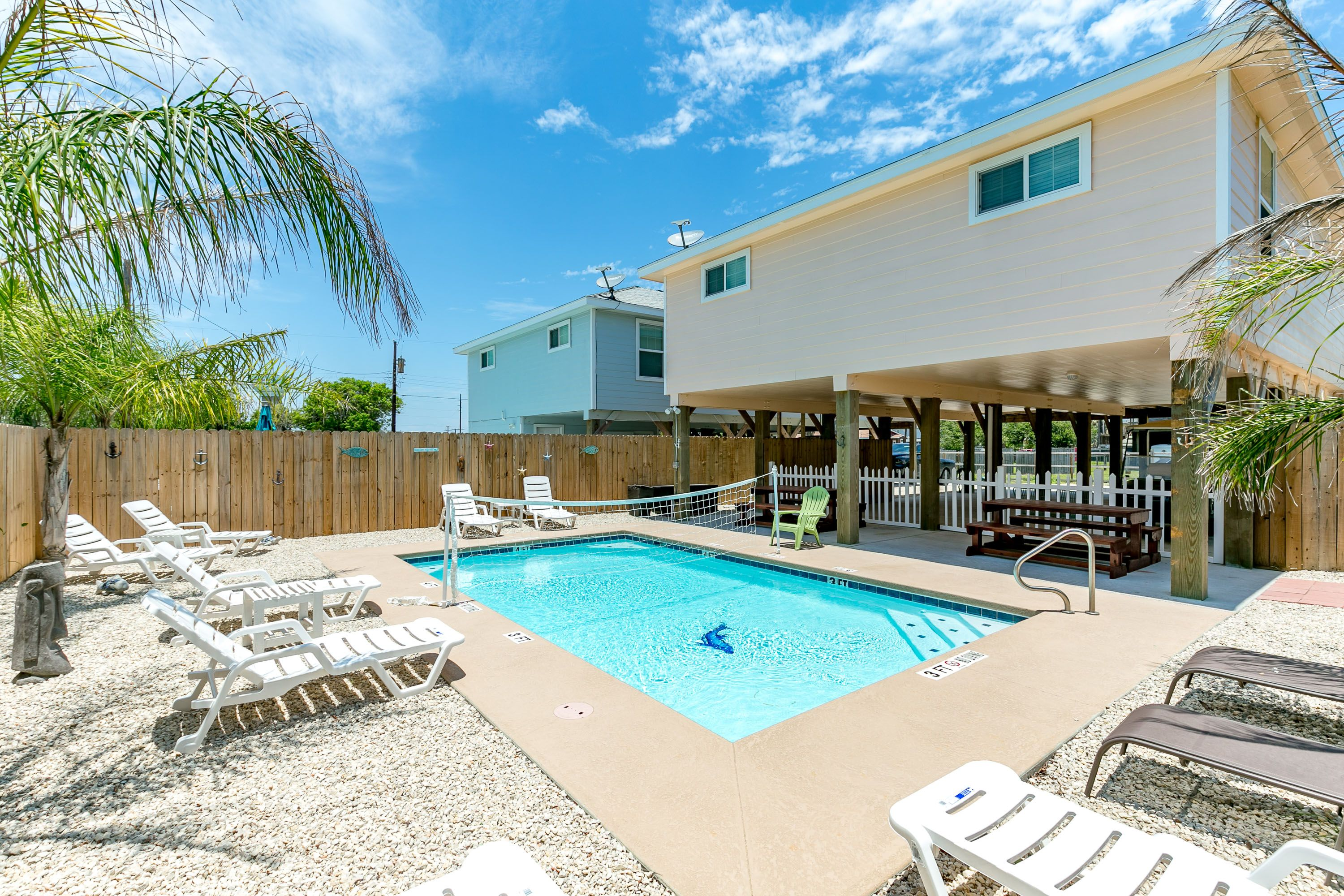 Sandy Bottoms EL Silver Sands Vacation Rentals - Beautiful madness 10 extraordinary bedrooms near the swimming pool